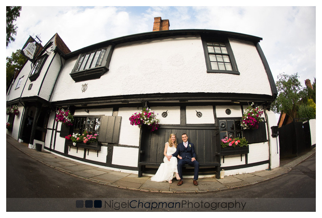 Berkshire Wedding Photography At Olde Bell Hurley – Victoria & Steven 25 June 2016