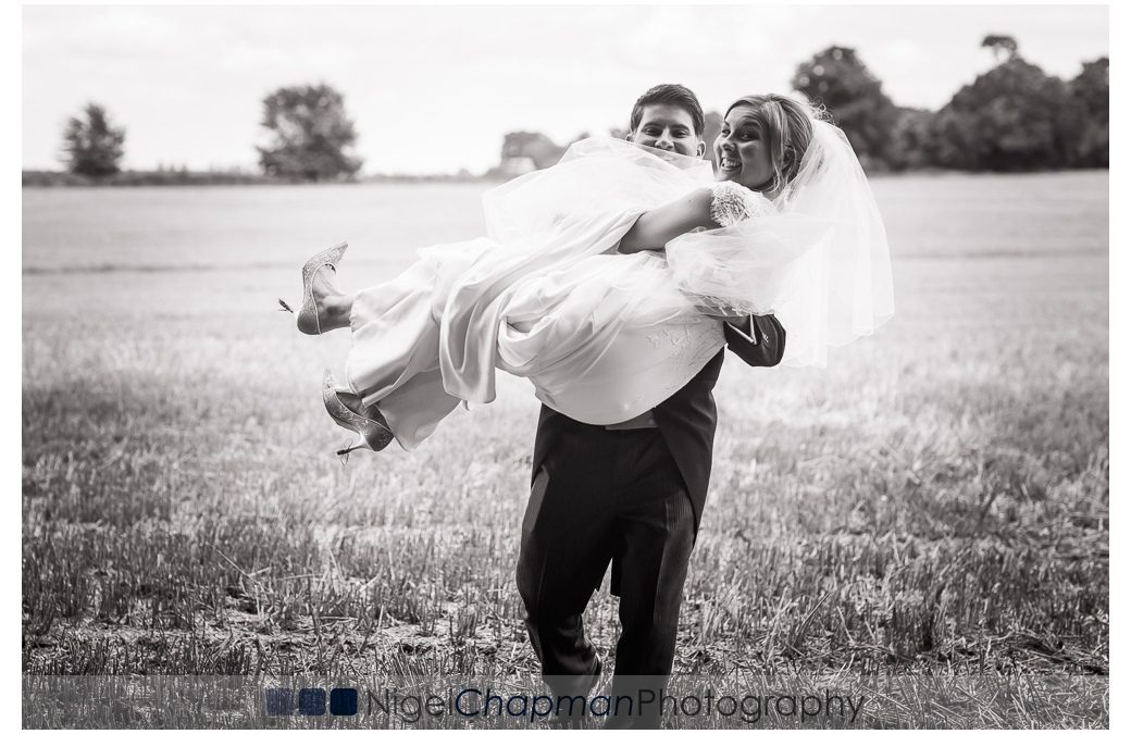 Lains Barn Wedding – Louise & Luke