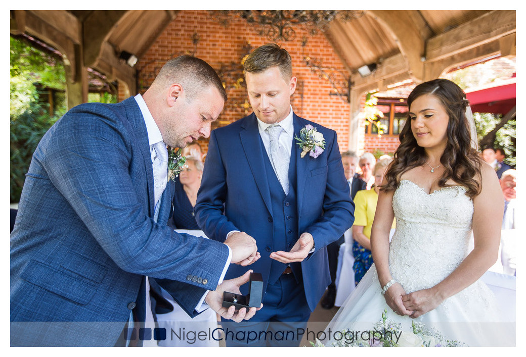 Linda Steve Wedding, Waddesdon Dairy Wedding Photos, Nigel Chapm